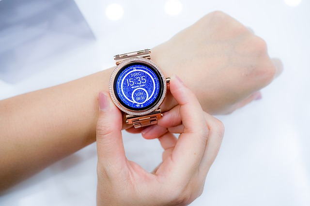5 Best Smartwatches Under Rs 10 000 2018 Best Product Review